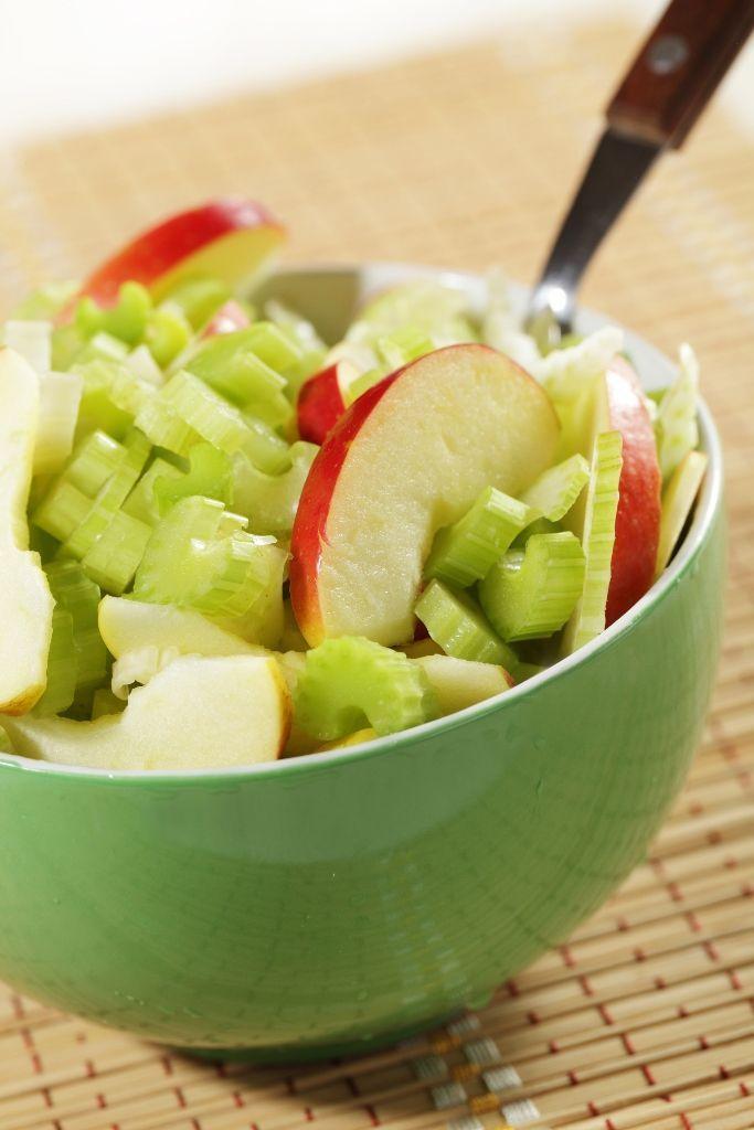 Zelerový šalát s jablkom