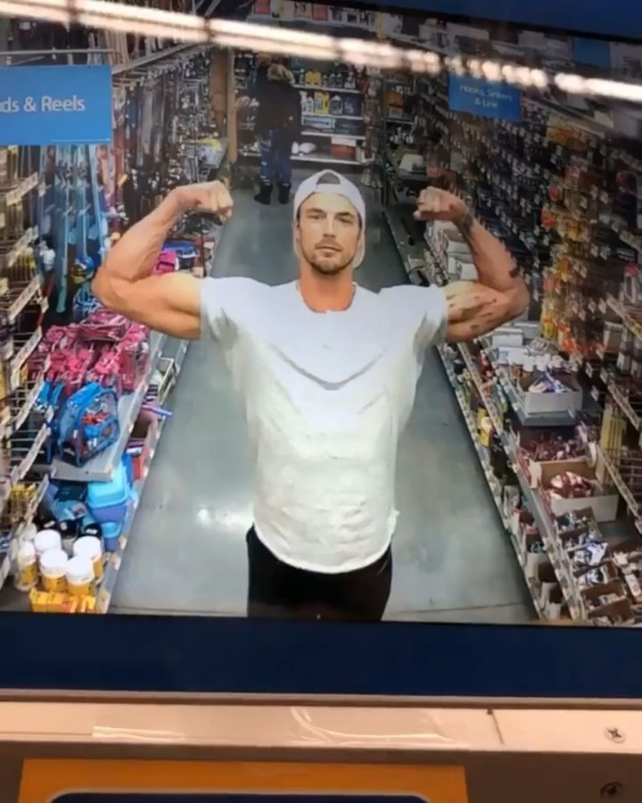 Best cctv footage ever 😎 @christianhogue 💪🏼 #malemodel #fitness #strikeapose #tatt...