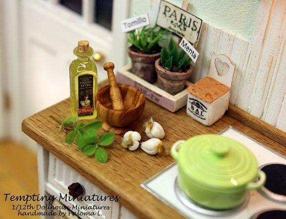 handturning d olive bois mortier et pilon 1 12th maison de poup e miniature dollhouse. Black Bedroom Furniture Sets. Home Design Ideas