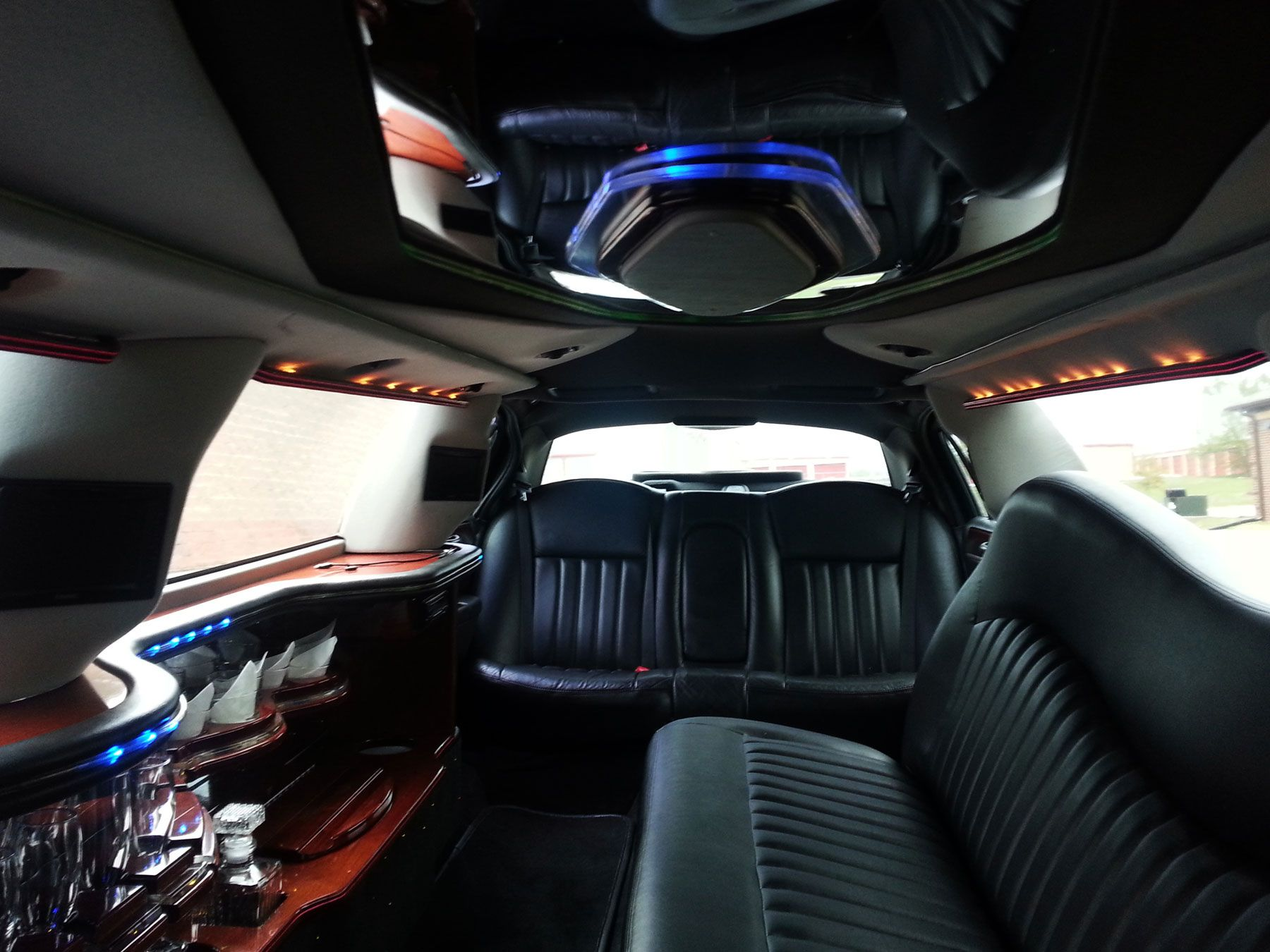 Lincoln Town Car Limo Interior Bing Images Luxury Cars