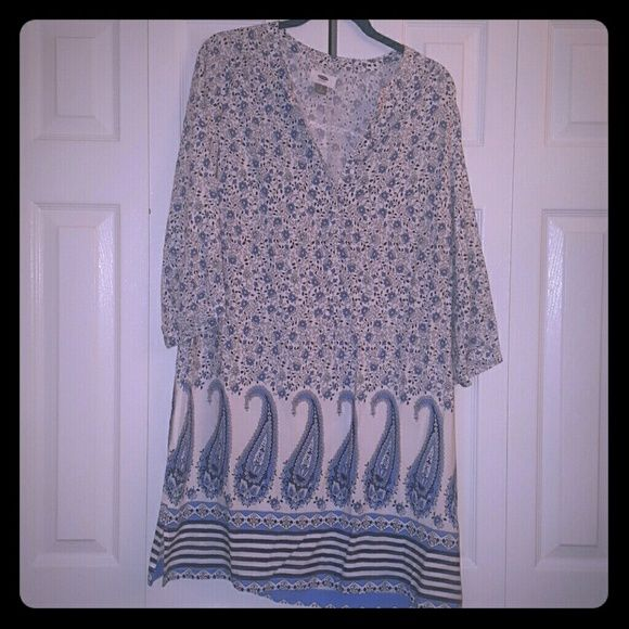 Old Navy cotton shift dress NWT Cute, comfy short cotton shift dress with pretty blue and white floral & paisley print. Old Navy Dresses