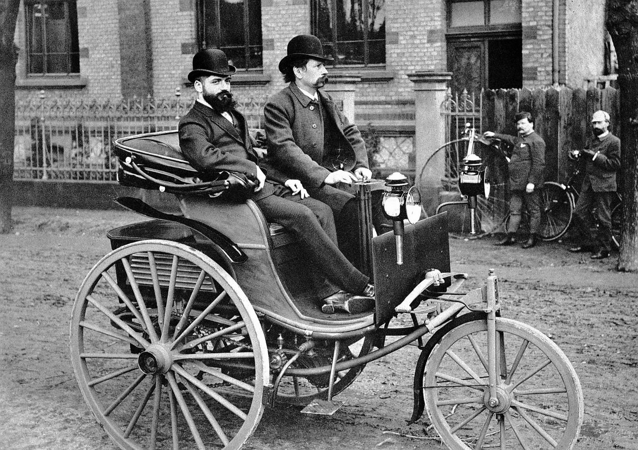 First car! In 1806 , Swiss inventor Francois Isaac De Rivaz invented ...