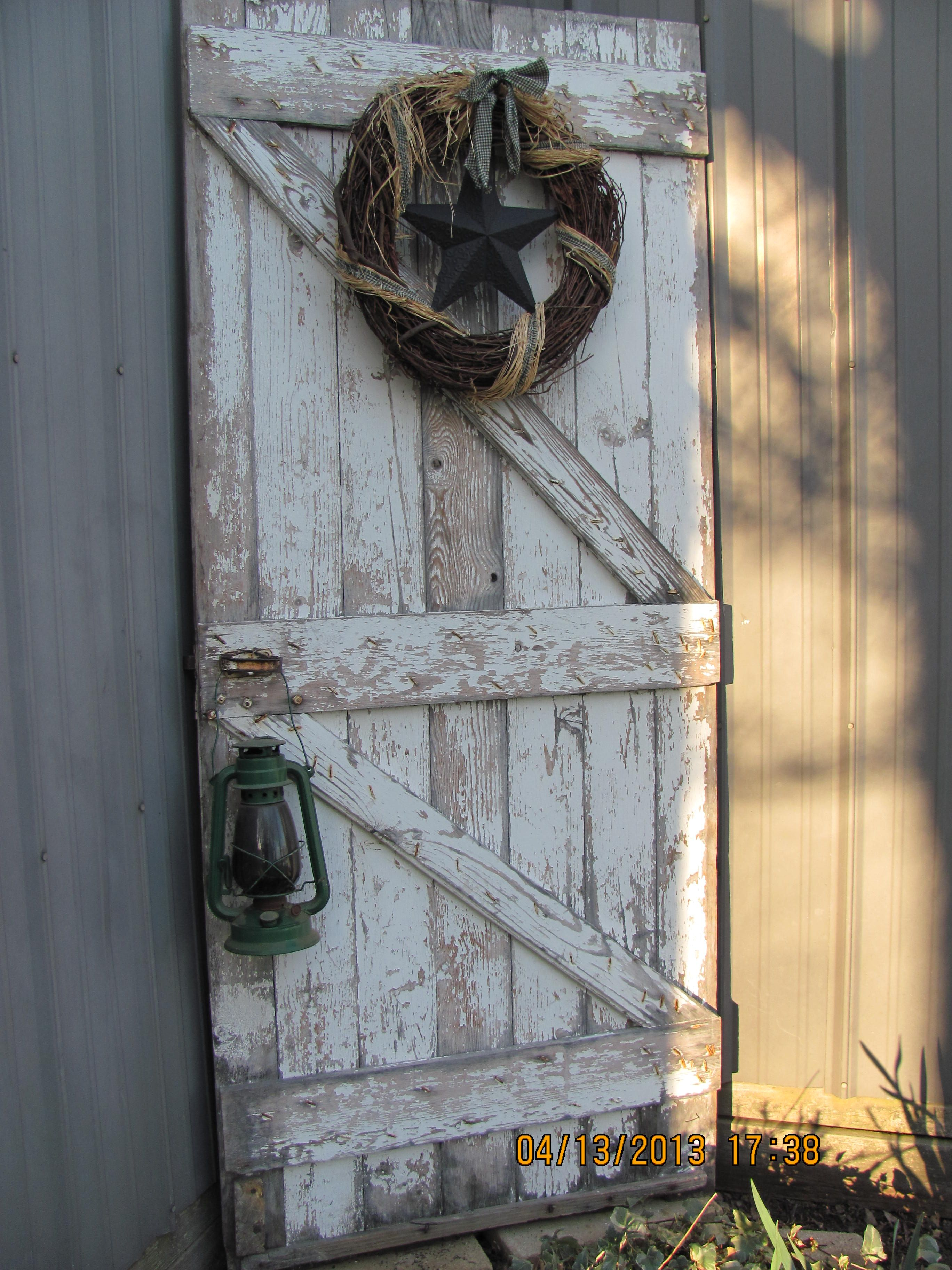 Weathered Welcome Barn Door Decor Old Barn Doors Barn Door