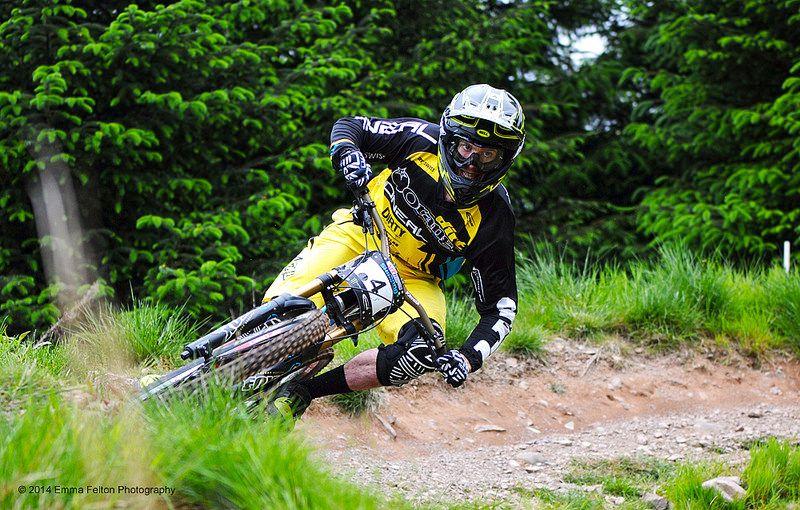 Harry Heath Orange Dirt World Team Downhill mountain