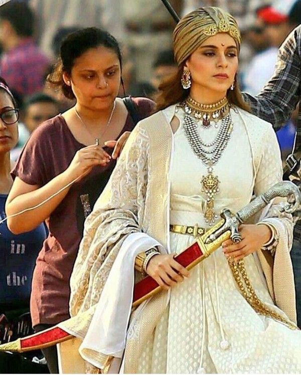 Watch Manikarnika: The Queen of Jhansi Full-Movie Streaming