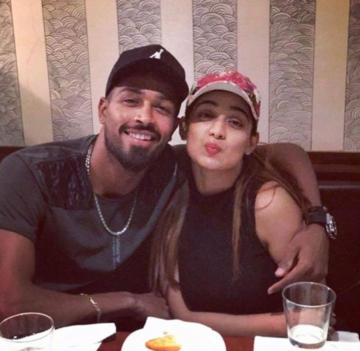 Hardik Pandya Clicked Along With His Female Friend For More Cricket Fun Click Http Ift Tt 2gy9biz Http Latest Cricket News Cricket News Female Friends
