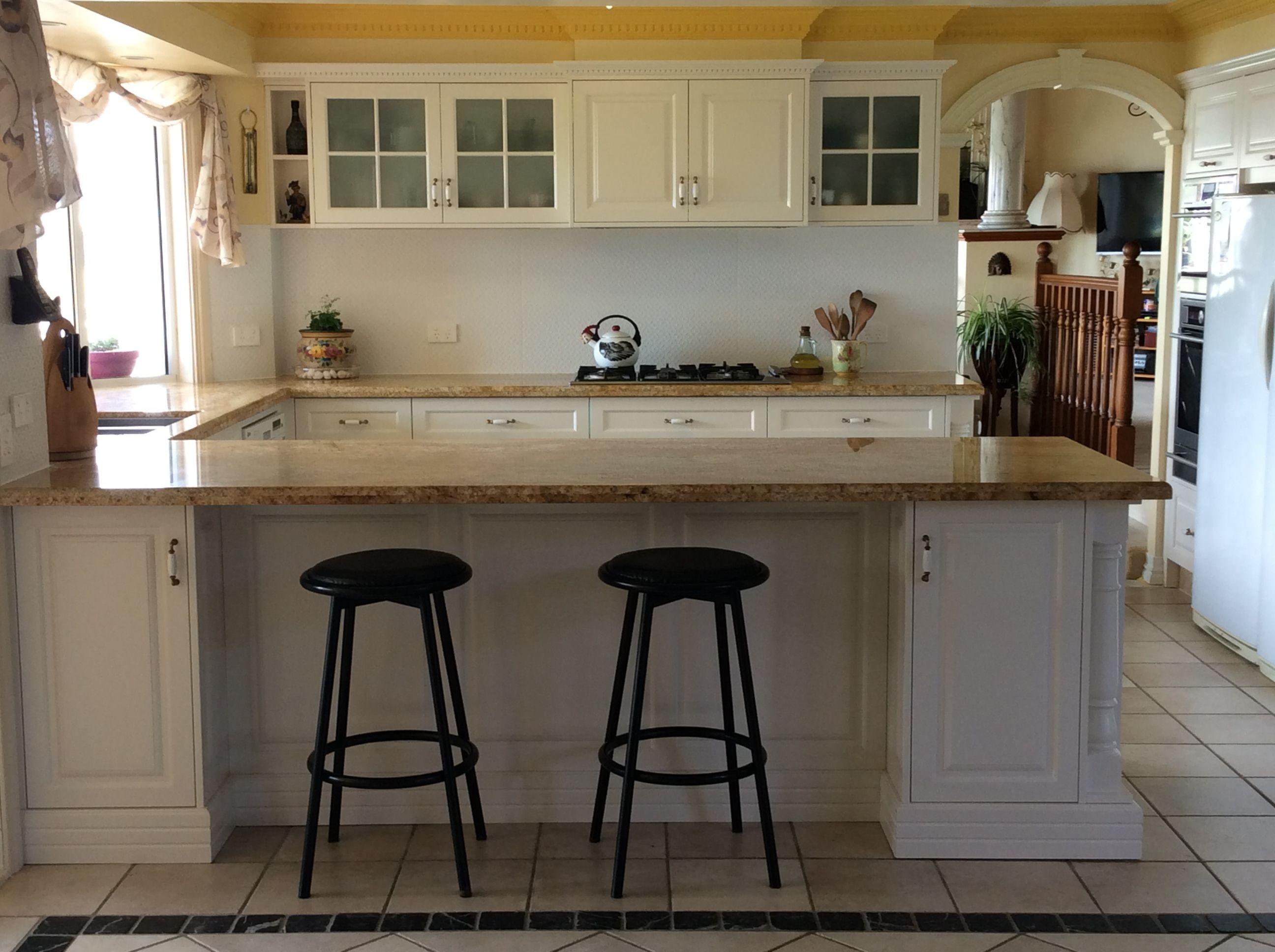 farmhouse kitchen with porcelain handles by restoration online http www restorationonline com on farmhouse kitchen hardware id=80649