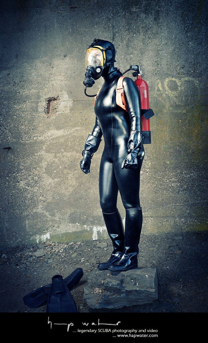 Frogwoman Anne  Diving Doll - Latex  Diving, Pants A -2629