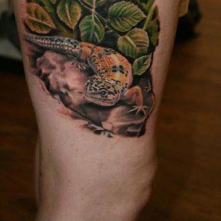 Best 25 gecko tattoo ideas on pinterest lizard tattoo for Gecko tattoo meaning