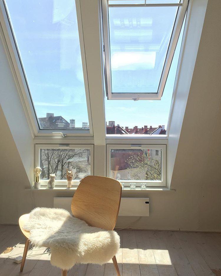 Vår i Oslo 🌸#spring #springfeeling #oslo #torshov #loftsleilighet #sunnyday #interior #vakrehjem #vakrehjemoginteriør #bonytt #interiørmagasinet #rom123 #kkmagazine #interior123 #view