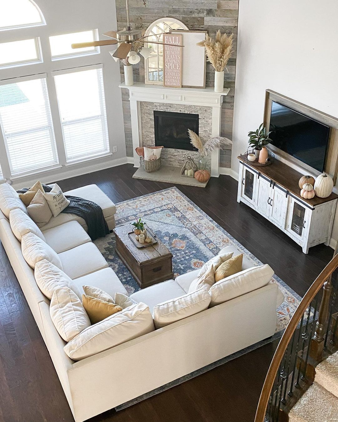 Happy Sunday Friends This Will Be The Last Fall Picture Of The Year Because Today Living Room Decor Fireplace Corner Fireplace Living Room Living Room Designs