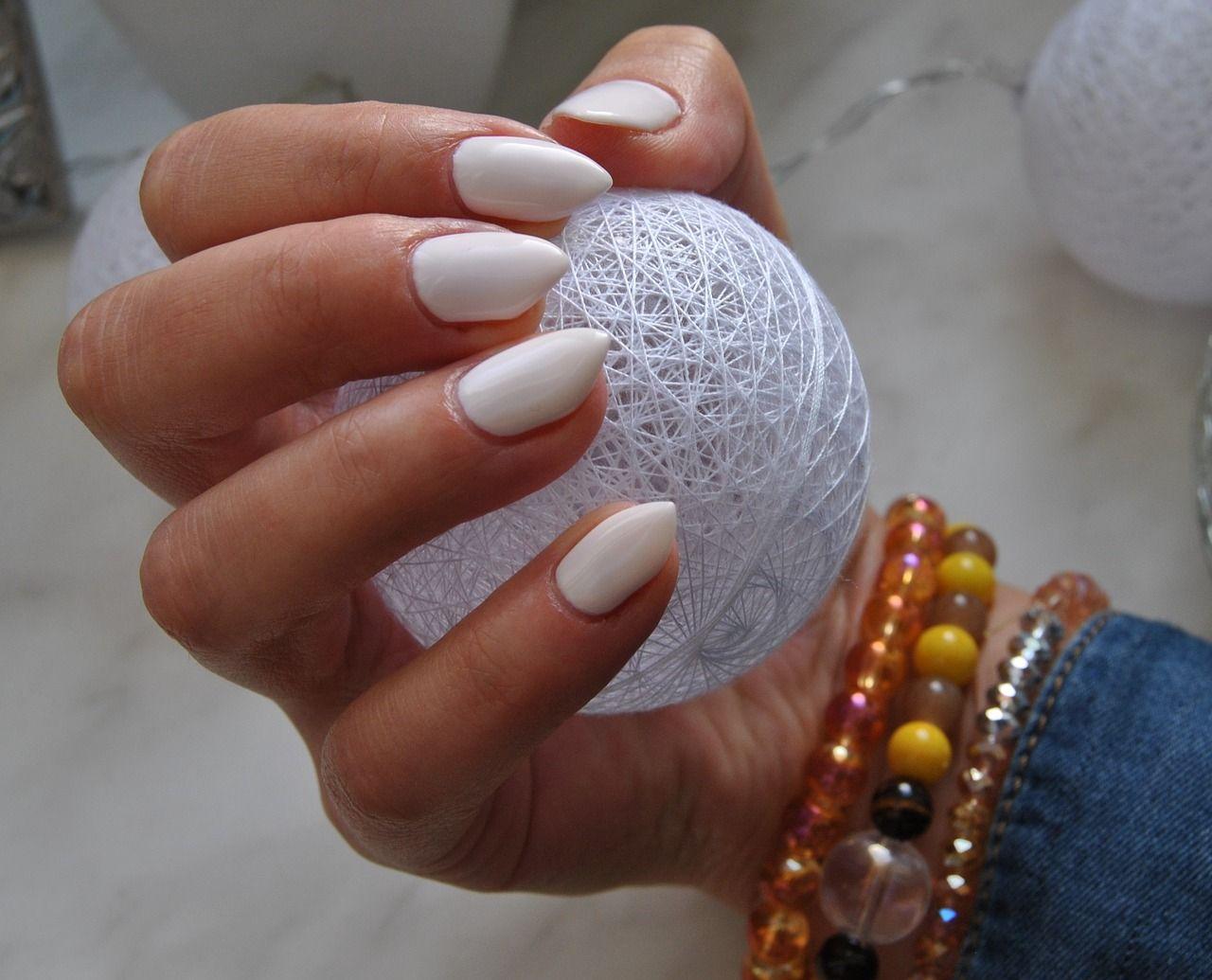 kolagen dla pięknych paznokci Manikiur francuski