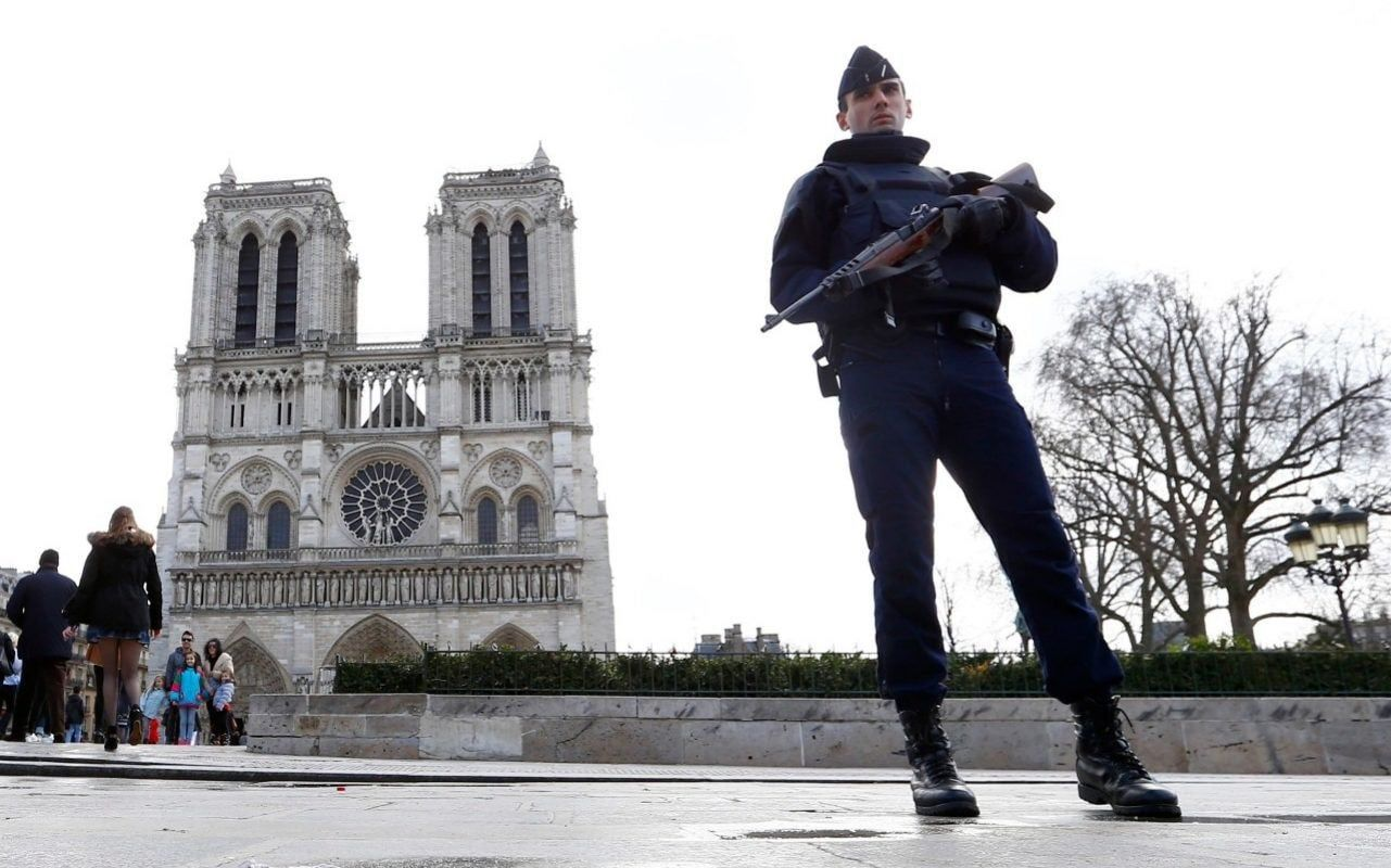 Five women botched NotreDame car bomb terror plot by