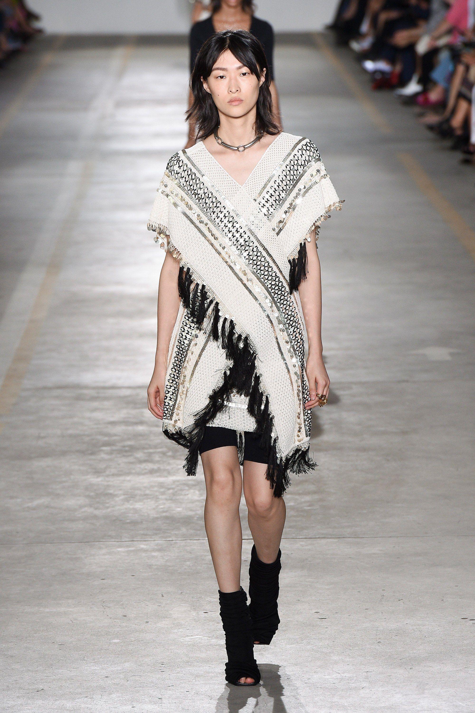 19eda7a6066 Roberto Cavalli Spring Summer 2019 Ready To Wear-ready Woman Vogue Runway  Folk Coachella Festival Look Trend - Read the Spring Summer 2019 Trends  Fashion ...