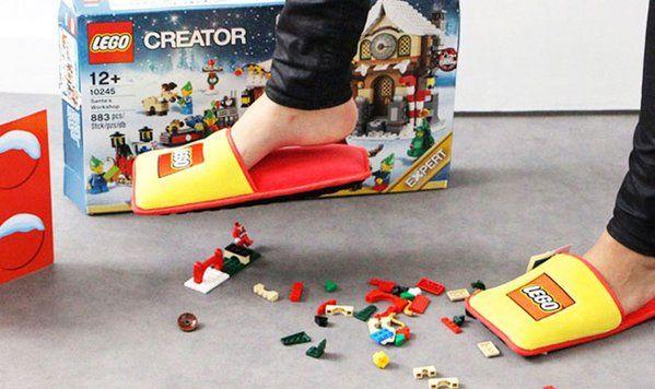 #LEGO cria pantufa para evitar a dor de pisar nas pecinhas http://bit.ly/1HL6mqw