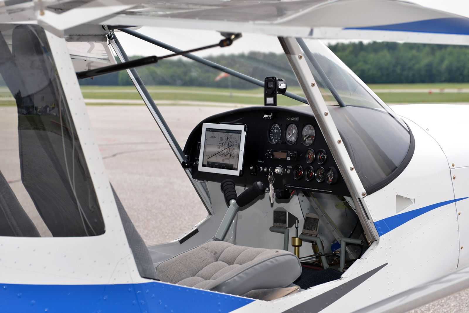 Ipad On The Instrument Panel In The New Zenith Ch 750 Cruzer Aircraft Interiors Zenith Aircraft