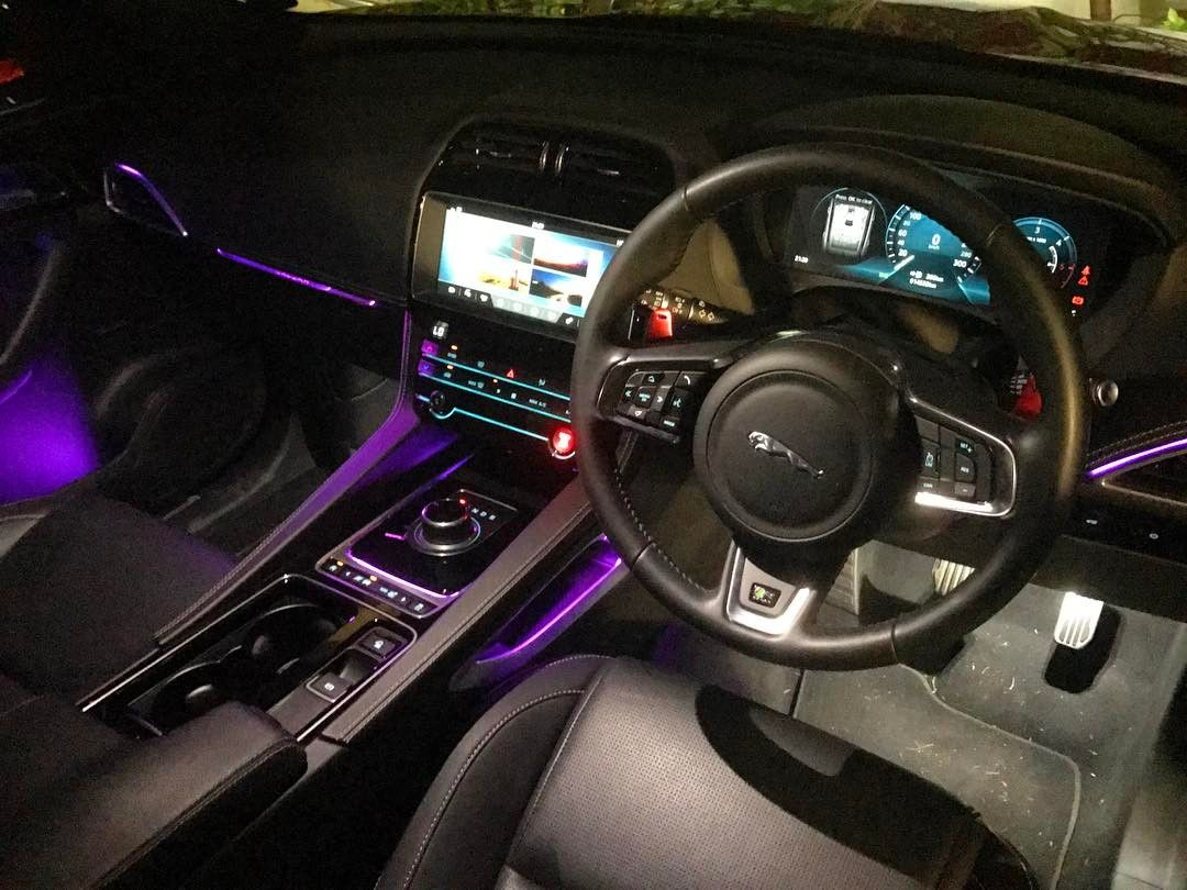 Interieur E Pace Jaguar F Pace Interior Is Rather Epic At Night Leaps And Bounds From
