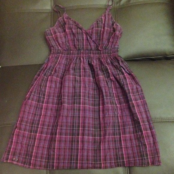 Purple plaid cotton dress Cross front plaid dress with elastic waist and back panel, purple, black, pink and blue. Adjustable straps. Adorable with a cardigan. Converse Dresses