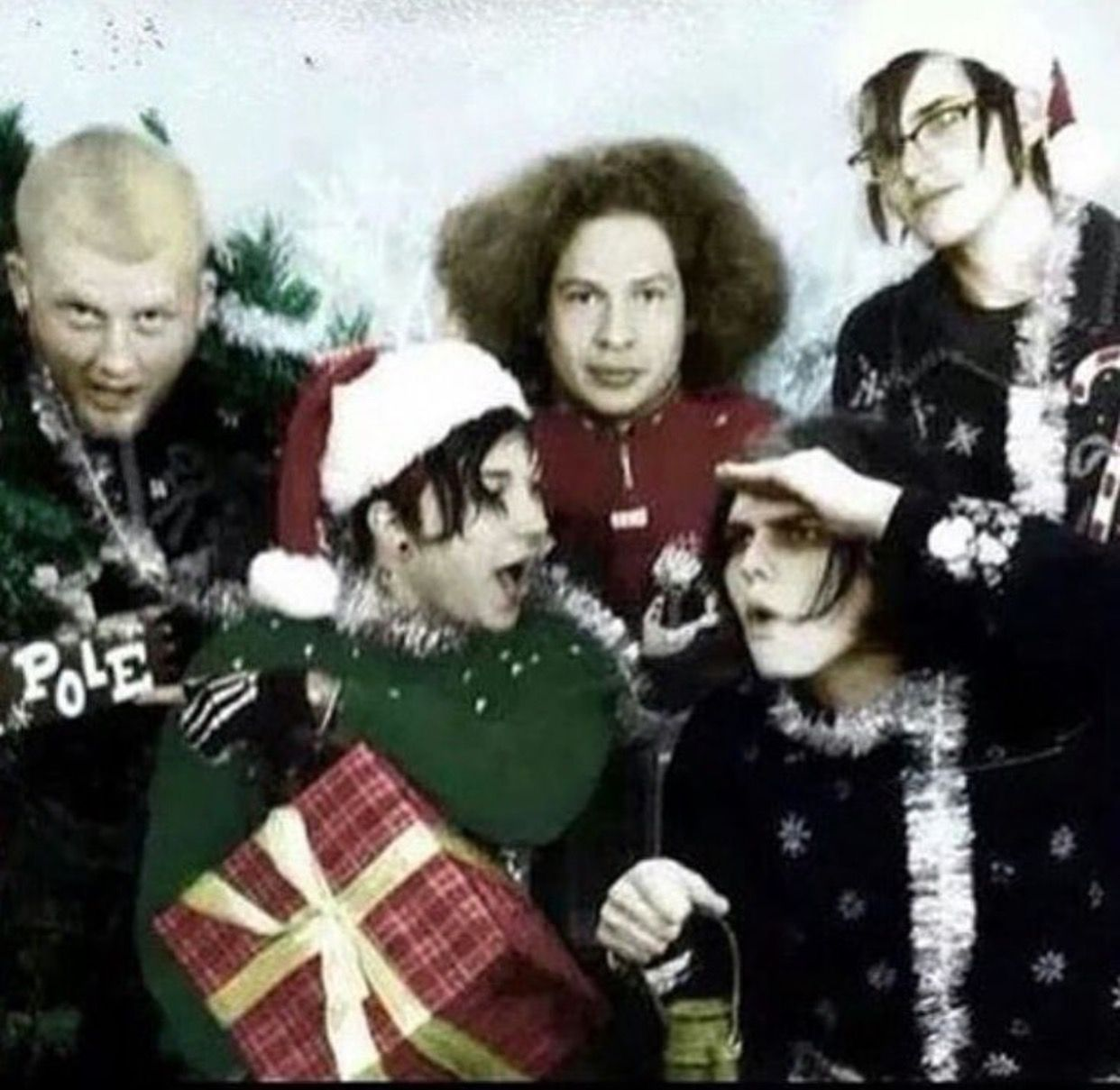Romantic Bands: MCR / Almost Christmas ☃️