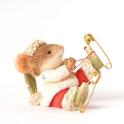 Souris de Noël avec Patins à glace | Petite souris, Souris grise