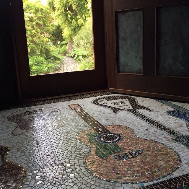 39 Ingenious Diagrams For Your Home And Garden Projects: Via Carly Simon #sallytaylor Guitar Mosaic