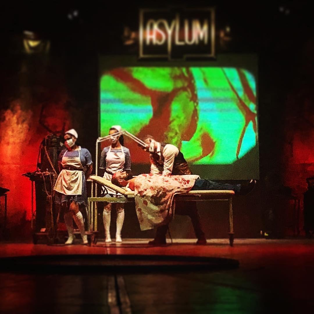 Zirkus Des Horrors Kann Ich Ausnahmslos Empfehlen Zirkusdeshorrors Asylum Erstereihe Besteplatze Horror Commedy Artist Kunst Be Berlin Kunst Horror Und Kunst