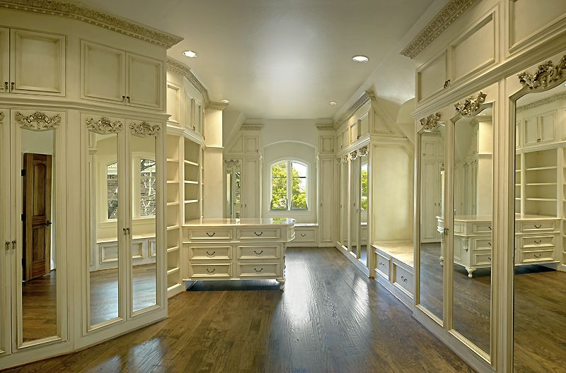 Luxury Master Closets if i ever become rich, i would love a closet like this. it's