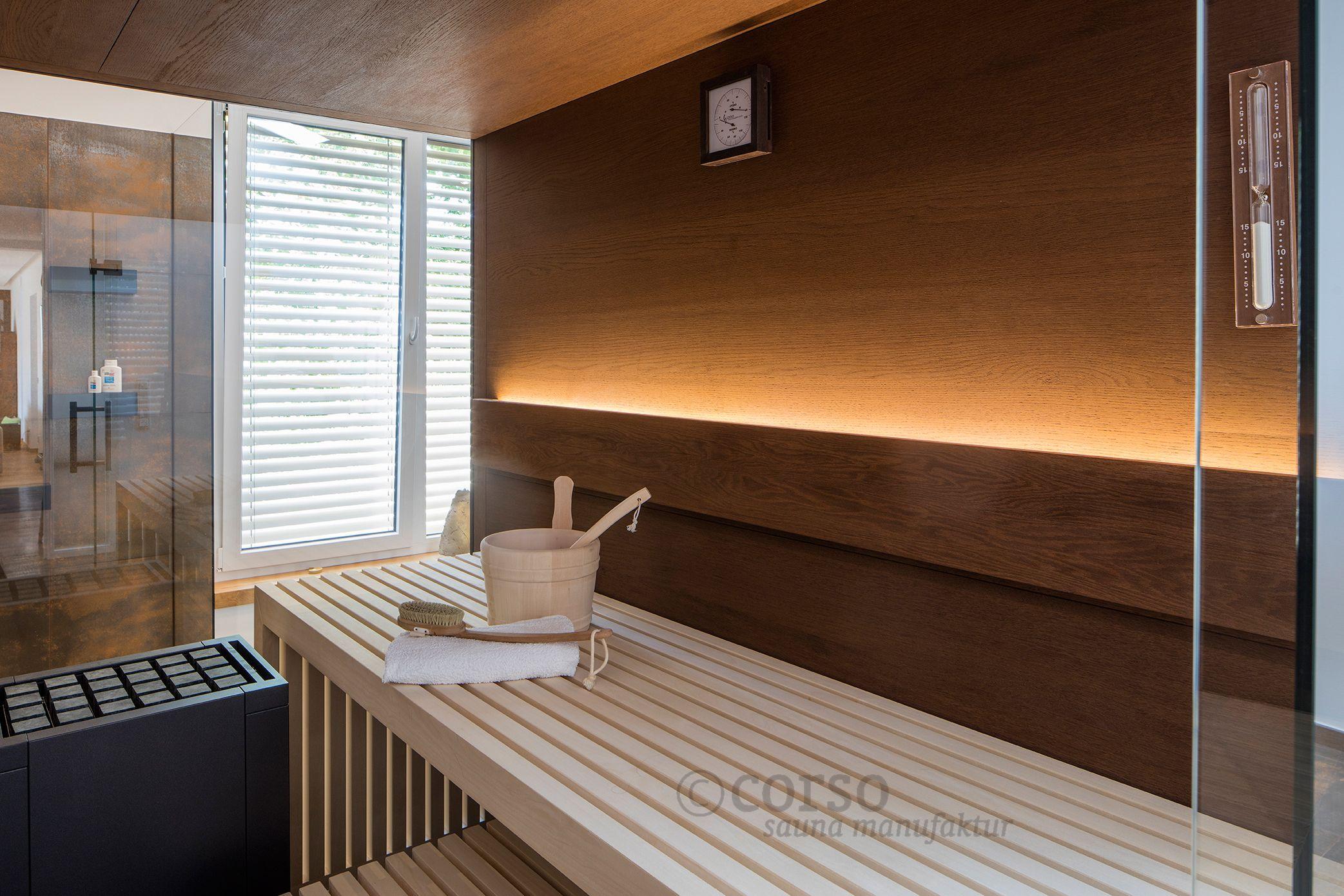 Sehr Zweiseitig verglaste Design-Sauna mit Thermo-Eiche und helle OW09