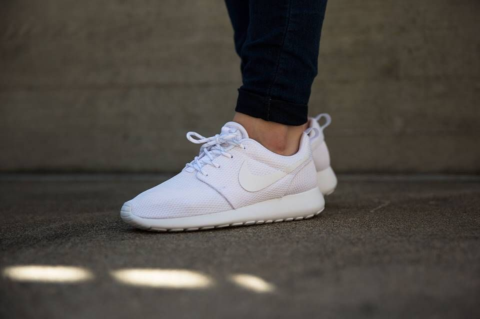 footwear outlet store sale cheap for sale Nike Rosherun White/White (511882-111) | Sneakers nike, White ...