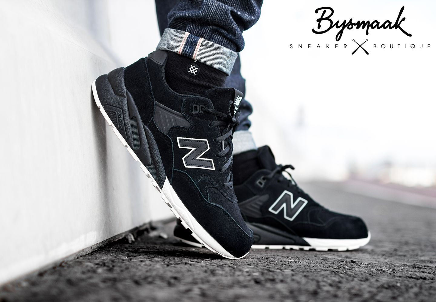 replica's glad officiële afbeeldingen New Balance 580 black | Stance all black socks | qwerty ...