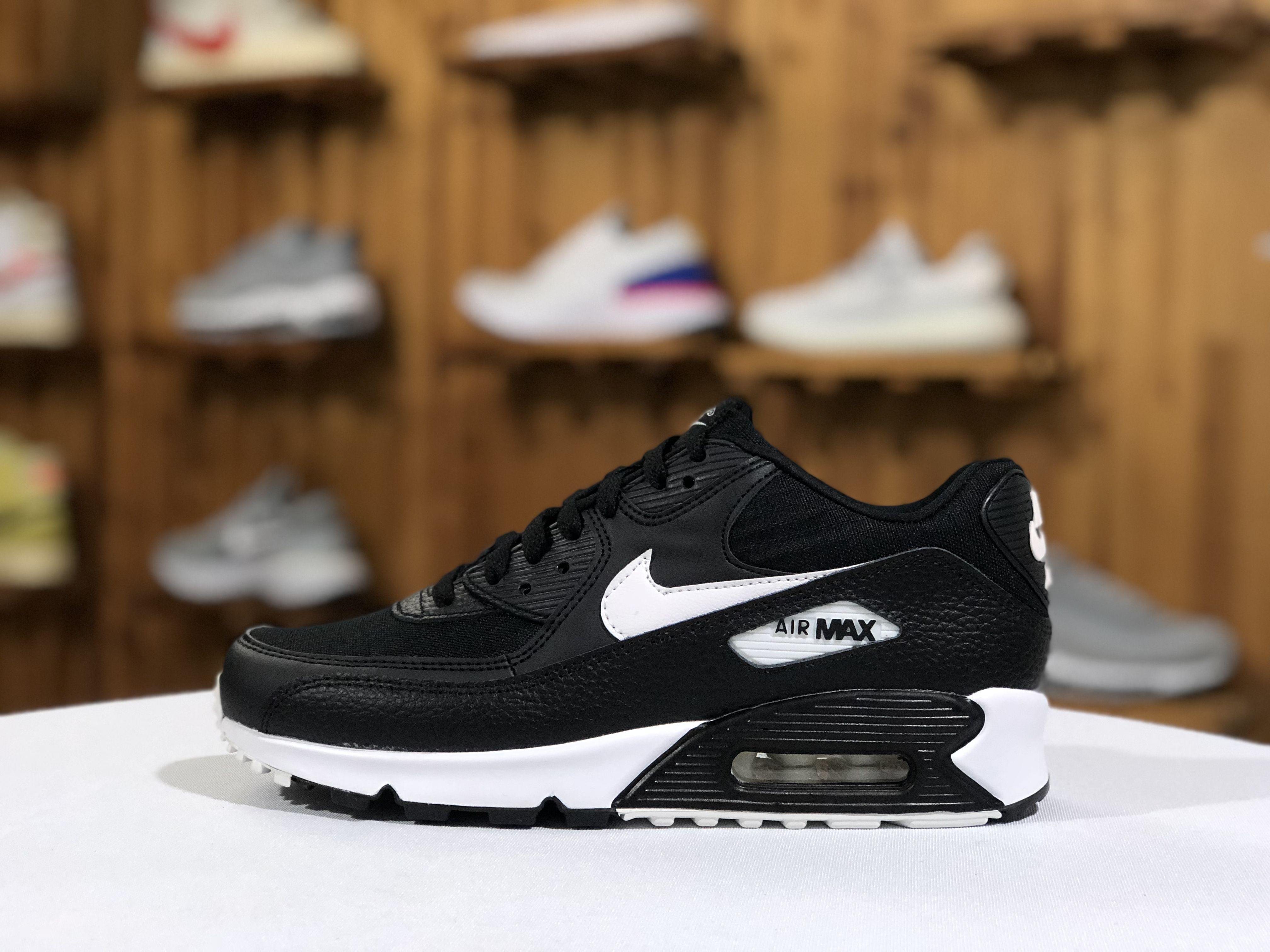 Nike Air Max 90 Black White Mens Running Shoes 325213 060