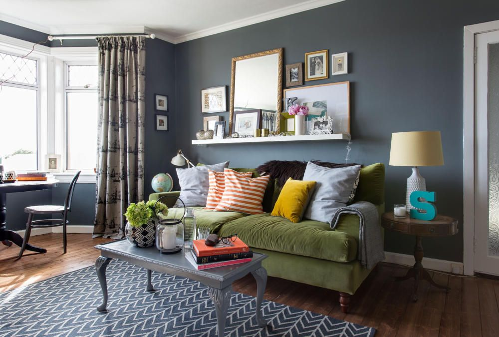 Wohnzimmer blau grau braun  Grau-blaue Wand im Wohnzimmer, Foto - Wohnzimmer Design Grau
