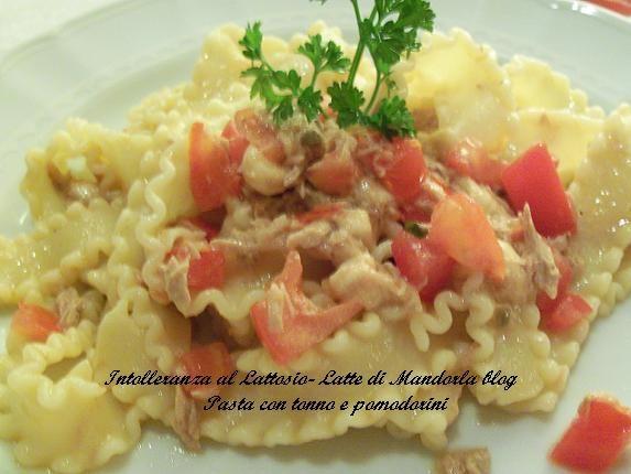 Pasta con tonno e pomodorini | Ricetta primo piatto