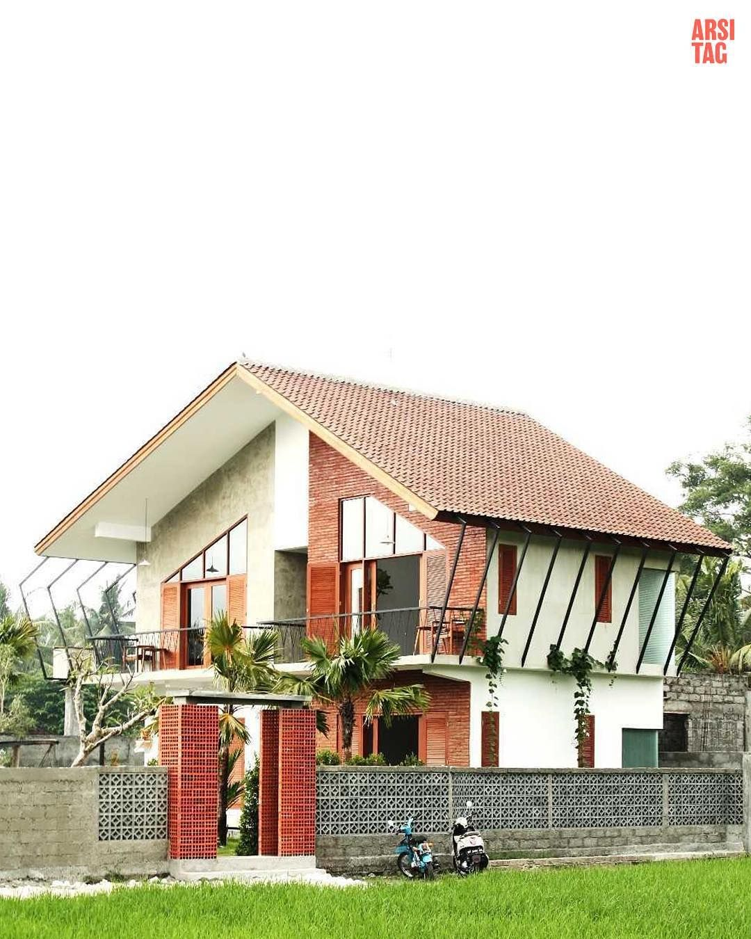 Almost Everyone Of Us Has Draw A House Surrounded By Rice Paddy Field When  We Were