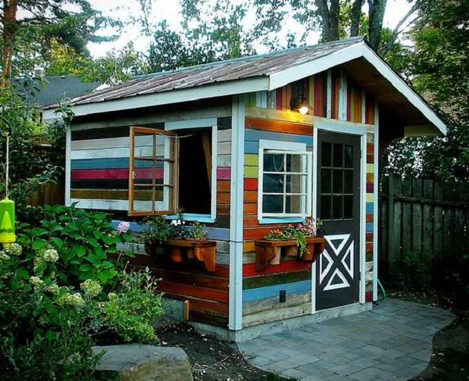 Shed made out of reclaimed and recycled wood a little paint gives the shed extra character - How to build an alley out of reused bricks ...