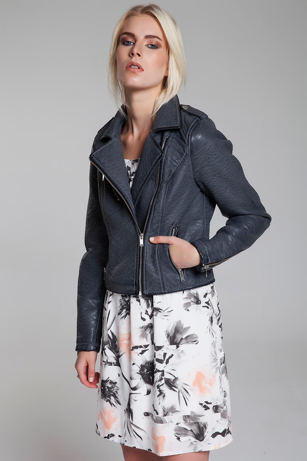Bu Sene Ceketler Çok Moda