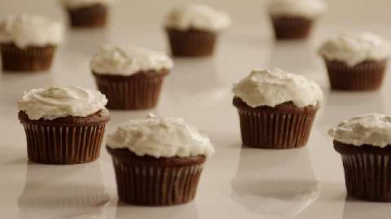 Whipped Cream Cream Cheese Frosting #lemoncreamcheesefrosting