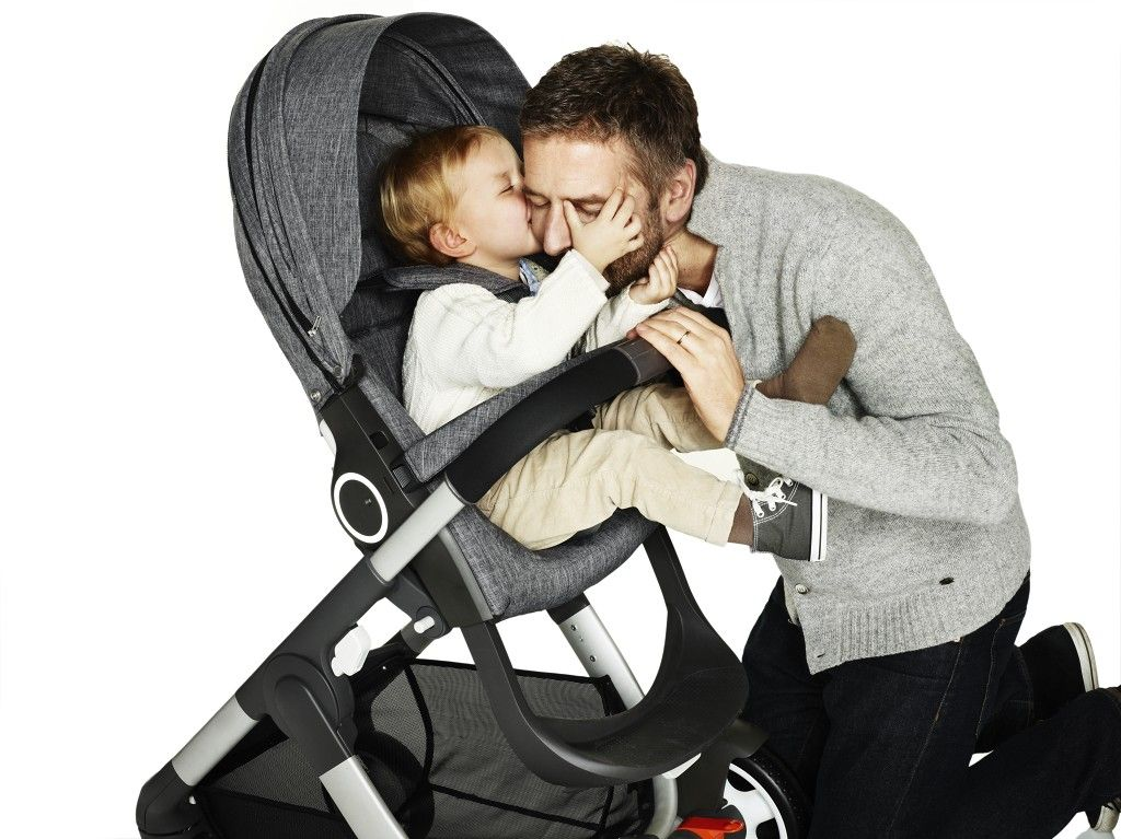 Stokke Crusi uses the great ergonomics of the Stokke Xplory seat. Crusi provides for a high stroller with classic good looks.