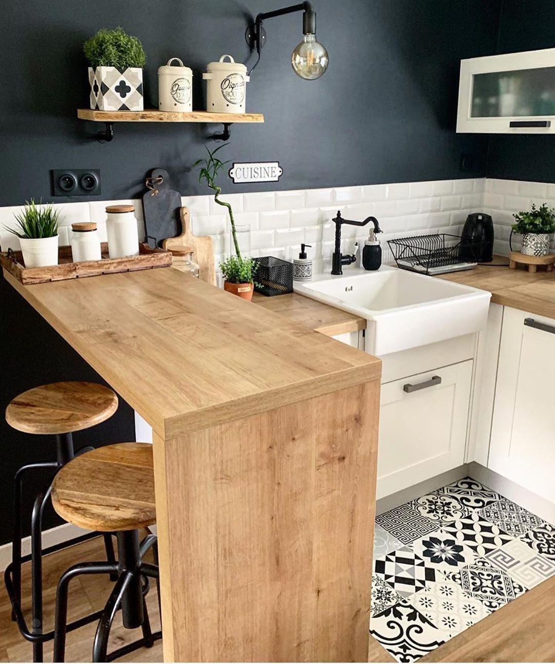 "Inspi_Deco on Instagram: ""▪️ Kitchen decor 💫 😍  Inspi @maryline._  #picoftheday #instalike #kitchen #kitchendesign #kitchendecor #kitchenview #homedecor…""  #amenagementcuisine #Decor #homedecor #inspi"