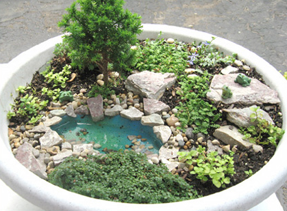Nice Miniature Fairy Garden. Great Tips, Such As, Using Small Pea Gravel For  Better