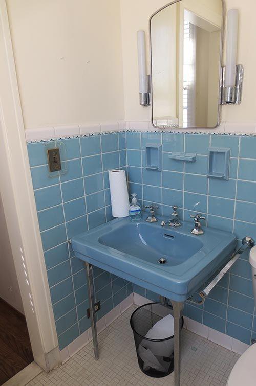 6 Colorful 1950 Vintage Bathrooms The Comer House In Gallatin Tenn Blue Bathroom Tile Vintage Bathrooms Retro Bathrooms