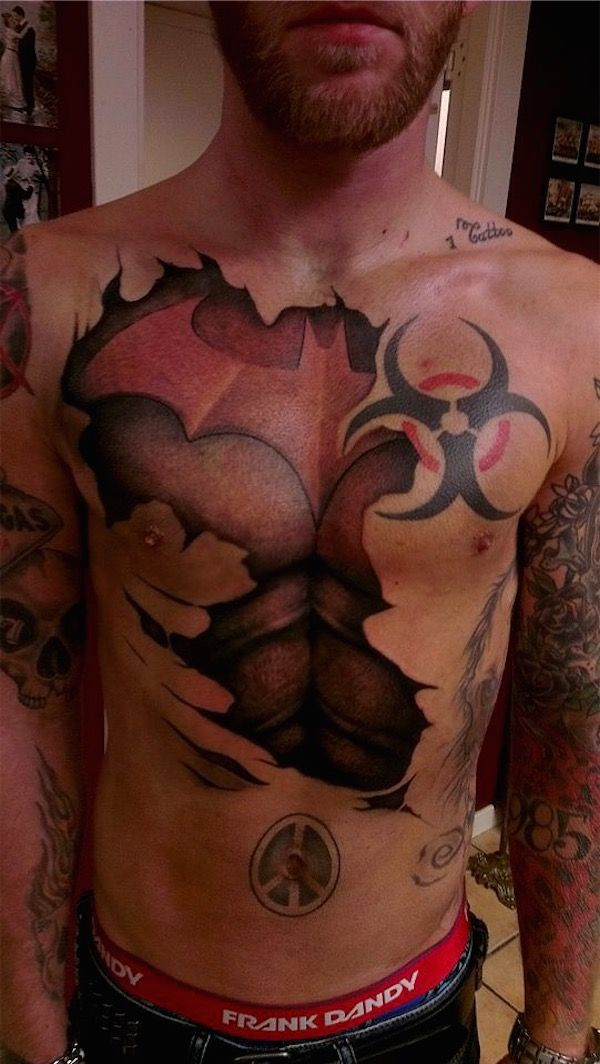 Epingle Par Tattoo Egrafla Sur Tatouage Homme Pectoraux Pinterest