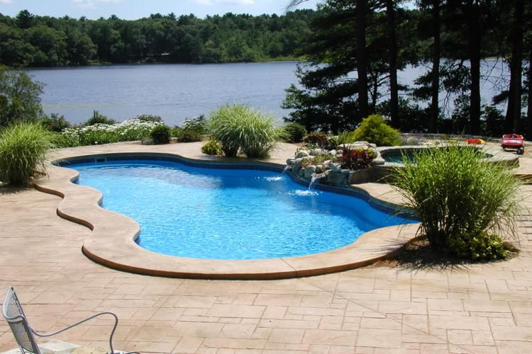 Large Sized Carribbean Model Pool In Sapphire Blue Located In Duxbury, MA