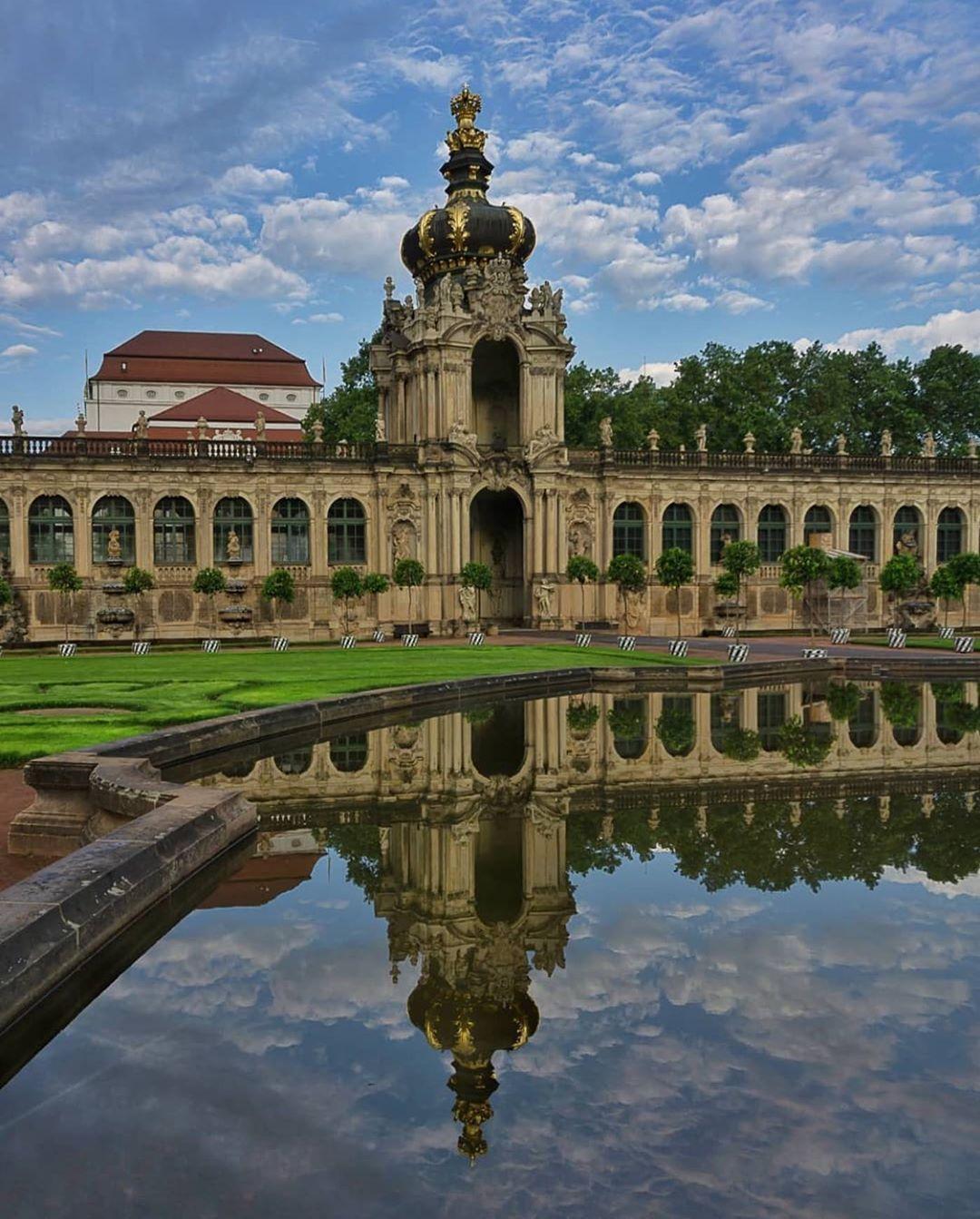 Gefallt 268 Mal 6 Kommentare The Best Of Dresden Thebestofdresden Auf Instagram Present Bild Des Tages P In 2020 Dresden Dream Destinations House Styles