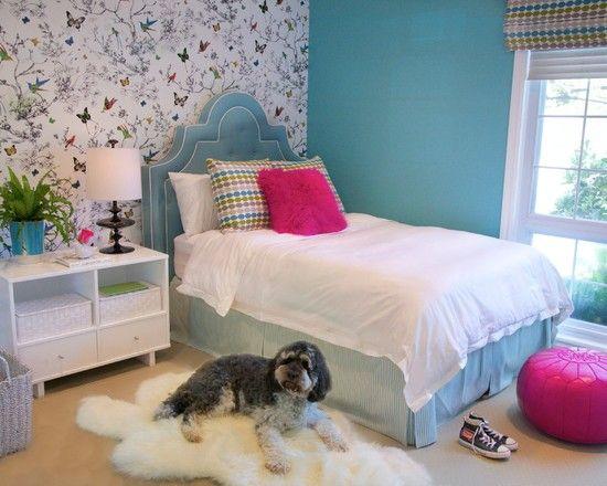 mädchenzimmer polsterbett kissen-pink wand-tapeten schmetterlinge ...