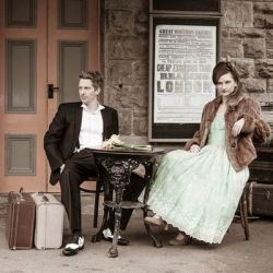 , A 40s inspired engagement session in a railway station in England. (in Italian), My Pop Star Kda Blog, My Pop Star Kda Blog