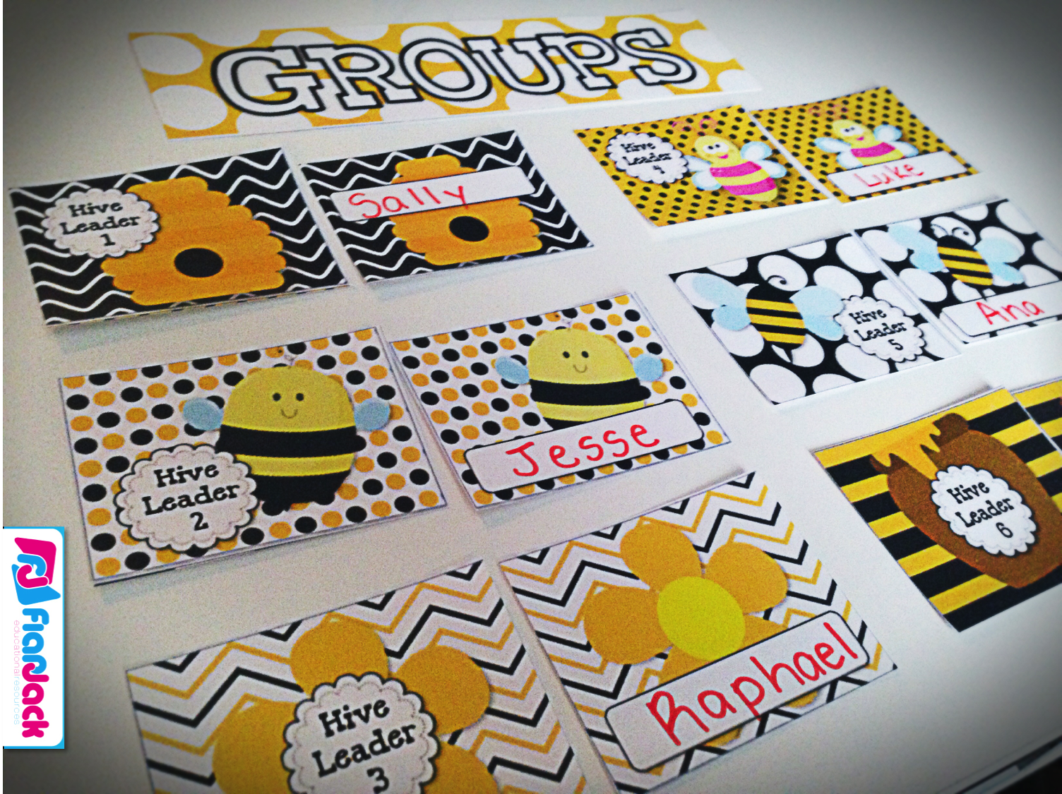 Classroom Decor Bees ~ Lots of cute ideas and resources for decorating with a fun