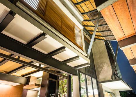baan yo yen courtyard house in thailand by tacha design arch