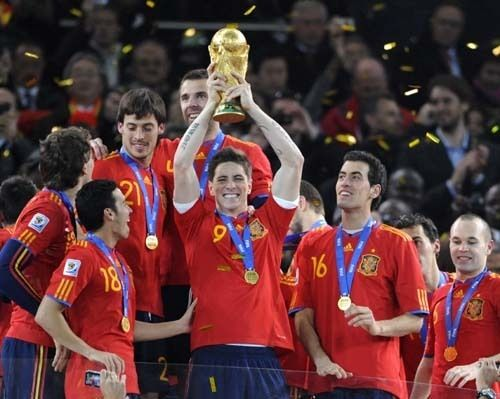 Spain winning the 2010 World Cup ... Get your FREE DOWNLOAD of the SportsQuest app at www.sportsquestapp.com @SportsQuestApp