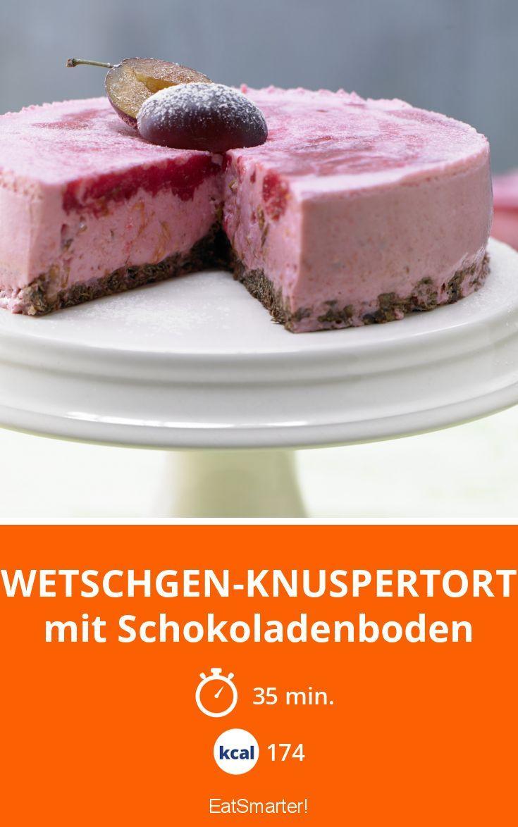 Zwetschgen-Knuspertorte - mit Schokoladenboden - smarter - Kalorien: 174 Kcal - Zeit: 35 Min. | eatsmarter.de